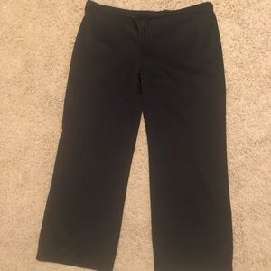 Express Capri pull on pants